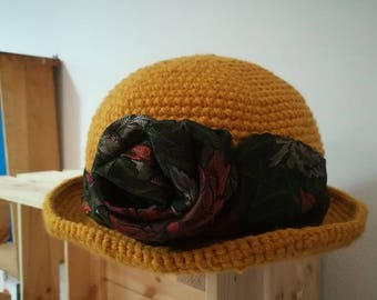 Mixed hat-yellow wool with tie