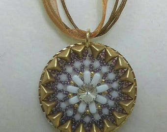 Necklace with round gold and white pendant with Swarovski crystal