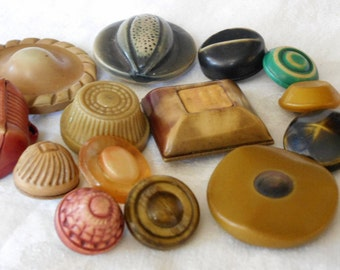 Lot of 14 VINTAGE Celluloid Craft Sewing BUTTONS C14