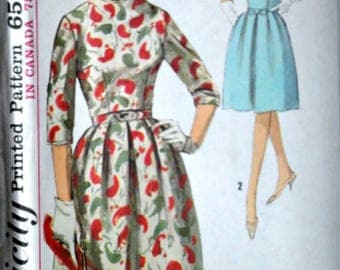 Vintage 60's Simplicity 5051 Sewing Pattern, Misses' Dress, Size 12, 34 Bust, 1960's Mad Men Fashion