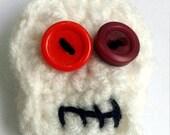 Crochet skull brooch  - red skull badge - skull pin