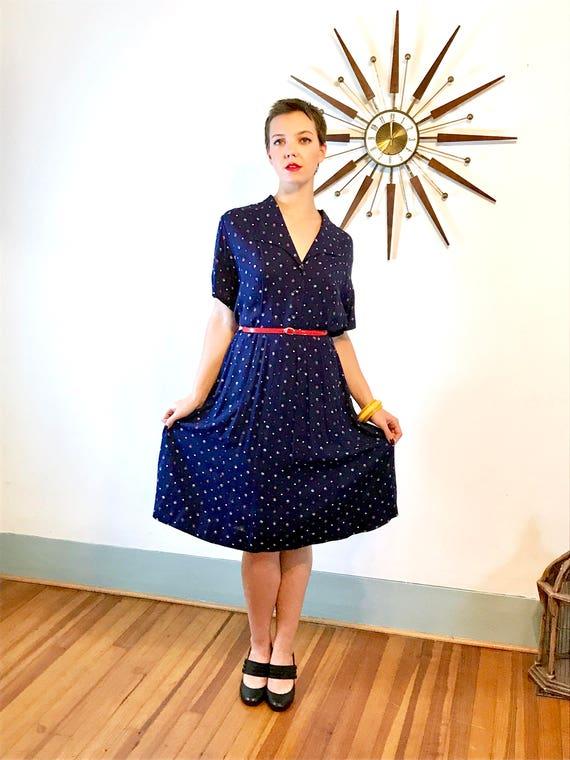 Vintage 40s Dress, An Original Fashion Frock, 40s floral dress, 1940s Rayon dress, 40s shirt dress,Polka dot pattern, Button down shirtdress