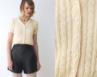 80s knit crop top. cream cardigan. soft grunge top. short sleeve cardigan - small to medium
