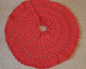 Christmas Tree Skirt in Red with Gold Metallic in it
