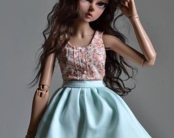 Mint skirt for minifee