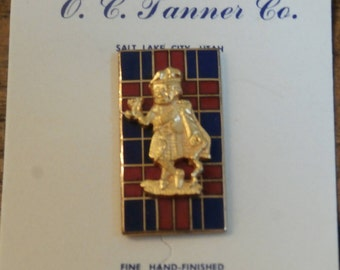 Vintage Scottish Man in Kilt Tartan Enamel Screw Back Pin, 1/10 10K Gold Fill Screwback Pin