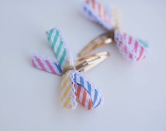 Rainbow ribbon bows. Pigtail bows. Snap clips. Girls bows. rainbow hair bow