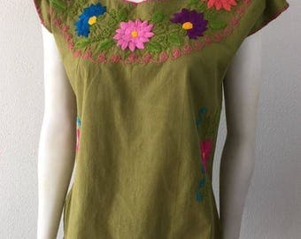 Vintage Embroidered Mexican Top Hippie Boho Festival Peasant Folk Ethnic Top