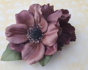 Beautiful hair clip with anemone flowers in chocolate brown, berries and green leaves hairflower rockabilly pin up wedding bride 50s vintage