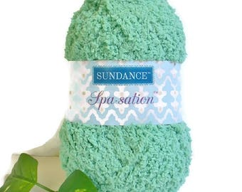 GREEN Yarn Sundance Spa Sation Chenille Bulky Knit Crochet Supply Soft Fuzzy Cozy Great for Baby Projects 1 Ball