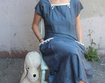 Vintage 1950's Dress // 40s 50s Cornflower Blue Cotton Day Dress with White Buttons and Pockets // Woven Plaid Dress