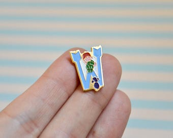 Vintage Letter W Pin - Enamel Pin - Lapel Pin - Letter Pin - Tie Pin - Pin Badge - Soft Enamel Pin - Flair - Pin Game
