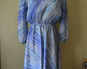 Patterned and Pleated Blue Day Dress Sz. M
