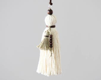 Boho Pom Pom Tassel. Large handcrafted Key Chain. Ivory, Natural. Pom Pom Zipper Charm, Bag Charm. Tassel decor accessory.