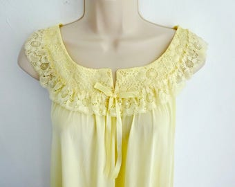 Lemon Yellow Nightie/ Lace Trim  Baby Doll Nightgown/ SIZE Sm-Med/Knee Length Gown/ Lace trim/ Sexy but Demure Baby Doll Nightgown