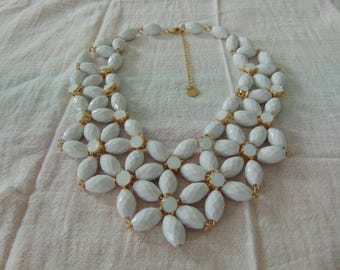vintage talbots signed white lucite opaque opal stones bib necklace mint unused