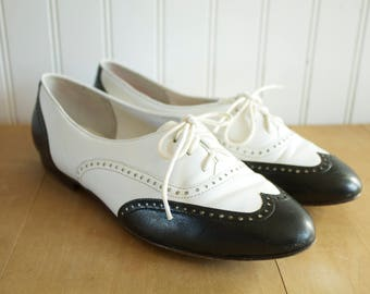 Vintage 1980's G.H. Bass & Co. Oxford Spectator Brogue Saddle Shoes 6.5