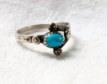 Turquoise Boho Ring Size 9 .25 Sterling Silver Vintage Southwestern Jewelry Southwest Desert Gift for Her
