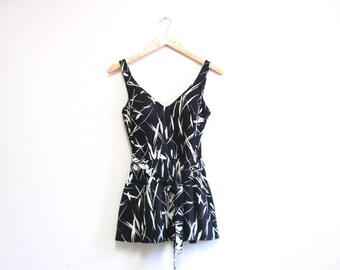 Vintage 1970s Swimsuit | Black and White 1970s 80s Bathing Suit | size medium