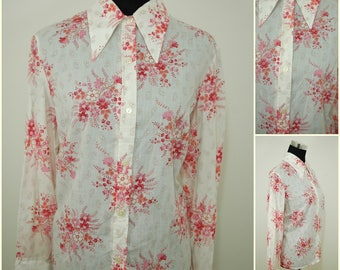 VINTAGE 1970s Funky Retro White Pink Flower  Button Shirt Blouse Top UK 18 FR 46 / Wicked dagger collar/ Bohemian