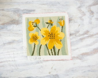 Vintage Mod Daffodil  Needlepoint Flowers, stitch w/ crewel thread