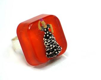 Flamenco dancer  resin ring. Modern Jewelry, resin rings, original, tipical spanish, red ring, miniature,