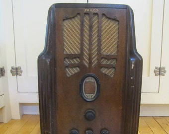 1930's Philco Art Deco Wooden Tube Radio for Restoration, Art Deco, Radio, Cabinet, Philco, 1930's, Tube Radio, Parts, Art Deco Decor