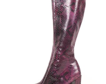 VINTAGE Charles David Eggplant Snakeskin Knee High Runway Boots | Sexy Purple Designer Side Zip Tall Boots | 90s Camel Toe Stitch sz 8
