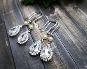 Pearl bridesmaid earrings, Bridal pearl earrings, Bridal earrings, Bridesmaid pearl earrings, Bridesmaid gift, Bridesmaid jewelry, Pearl