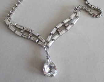 Vintage Pear Shaped Rhinestone Choker Necklace in Bright Silver Setting, Bridal, Wedding, Bridesmaid, Mother of Bride, Vintage Necklace