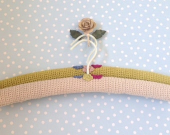 Crochet Hangers, Set of 2, Crochet Padded Hangers with Crochet Flowers, ideal gift for her, Vintage colours,  Yarn Covered Hangers,