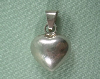 HARMONY BELL Chime Puffy Heart Of Love Pendant-Vintage Sterling Silver-Mexico Hallmark-Tinkling Jingling Sound-Travel Souvenir-Small-00436