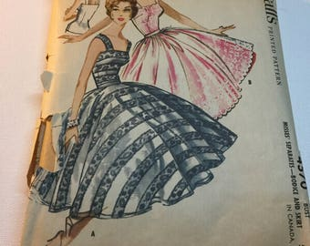 Vintage McCalls 4570 Sewing Pattern