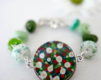 Green Bracelet, Daisy Bracelet, Lampwork Glass Beads, Spring Bracelet, Floral Art Bracelet, Summer Bracelet, Meadow, Art Jewelry
