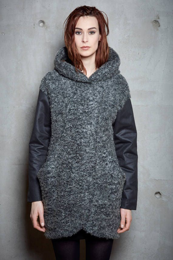 RUNAWAY - oversize wool fall coat with hood and bigs pockets for womens - knit grey