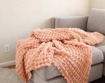 Queen Size Hand Knit Blanket Afghan Handmade Pink Knit Blanket w/ Scalloped Edges Granny Blanket Throw