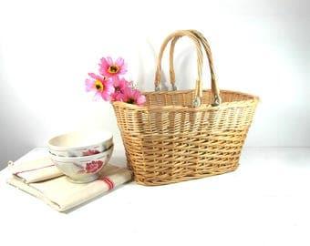 Wicker basket with handles, Market basket, garden basket, berry basket, French vintage, gathering basket, French basket, French country.