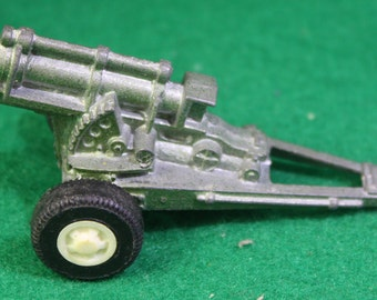 Vintage Tootsietoy Howitzer Miltary field cannon