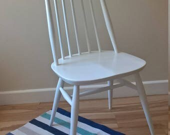 Ercol Goldsmith Contemporary Chair from 1960-77 Refurbished in Pure White Rust Oleum Spray