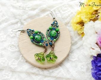 Flower earrings, beaded macrame, boho chic, beadwoven, beadwork, macrame jewelry, micro-macrame, green blue, floral, small giftables, autumn