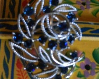 Vintage Signed Lisner Blue Crystal Silver Tone Leaf Brooch Rhinestone Floral Pin