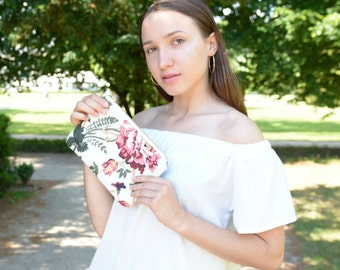 Floral White Red Green Linen Clutch - Go out Clutch - Bridesmaids Purses - White Floral Zippered Purse - Prom Purse