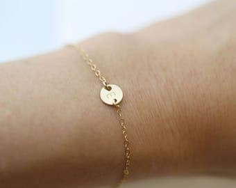 Customized Mini initial // Tiny gold coin disc bracelet , initial bracelet // personalized bracelet