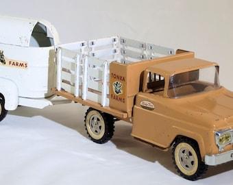 Vintage Tonka 1960 Farm Stake with Horse Trailer