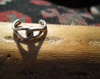 Sterling Love Knot Toe Ring