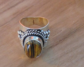 Vintage tigers eye and Sterling silver Ring... size 9 only