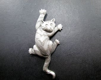 Vintage JJ Pewter Climbing Cat Brooch Pin Jonette Jewelry Signed