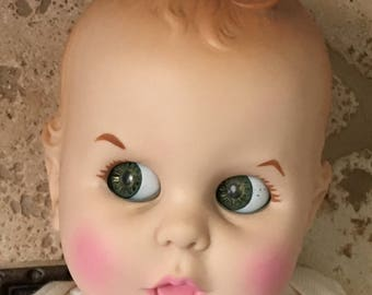 """Vintage """"GERBER BABY"""" 17"""" Doll 1979 in Red/White with Onesie ~ Moving Eyes!"""