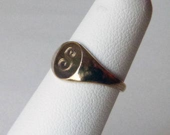 Edwardian early 1900s gold filled signet pinky ring initial S monogram size 4