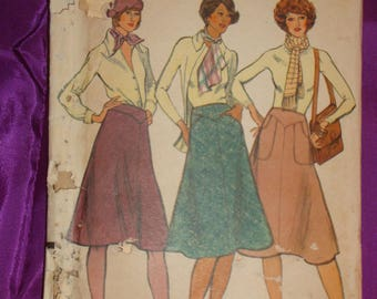 1970s 70s Vintage Bias Flared Skirt Shaped Front n Back Yokes Slanted or Shaped Pocket 2 Lengths Vogue Pattern 9045 Waist 25 Inch 64 Metric